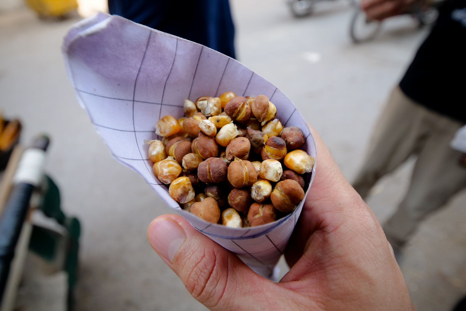 Hand-held snacks in Lahore