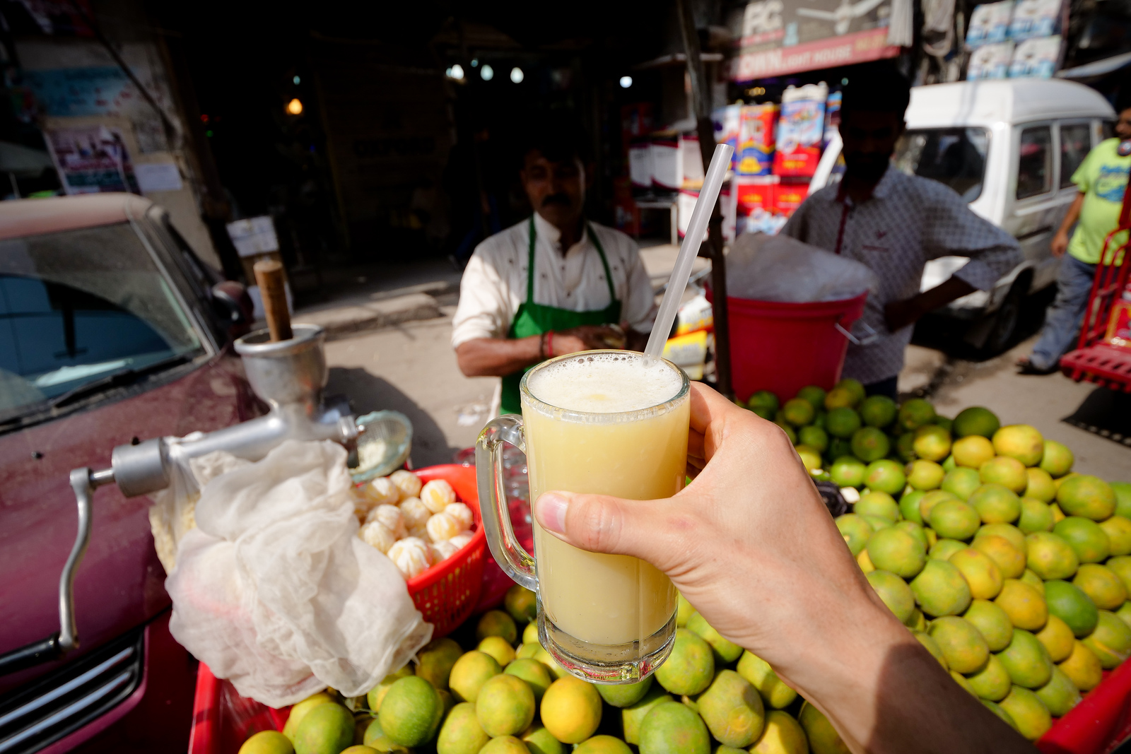 Naranje Juice in Shah Alami