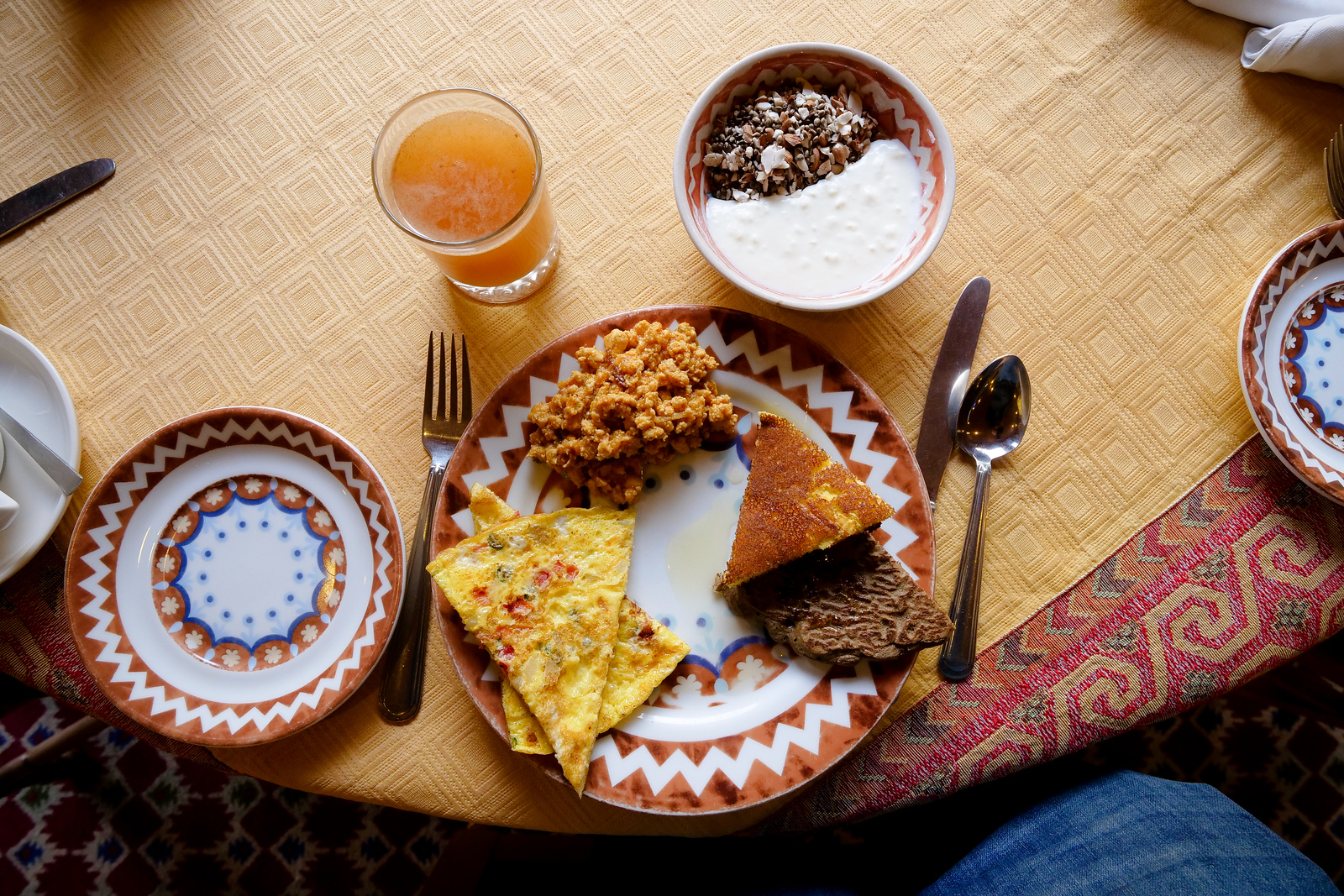 Serena Gilgit Hotel Breakfast