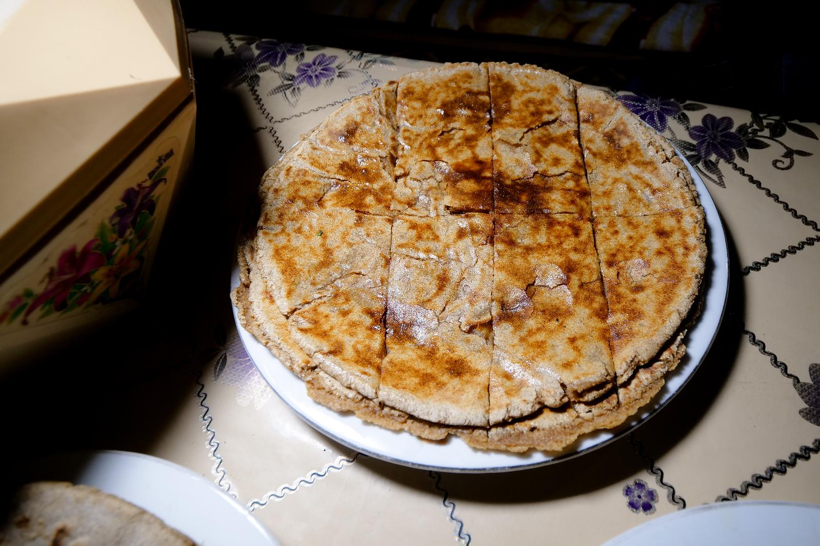 Gyal配核桃糊,是传统的巴尔蒂食品