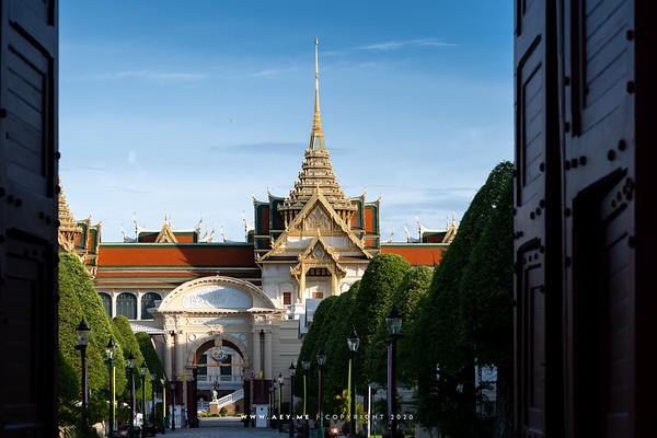 Phimanchaisri Gate and Chakri Maha Prasat Throne Hall, Grand Palace