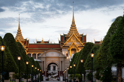 Phimanchaisri Gate and Chakkri Maha Prasat Throne Hall, Grand Palace