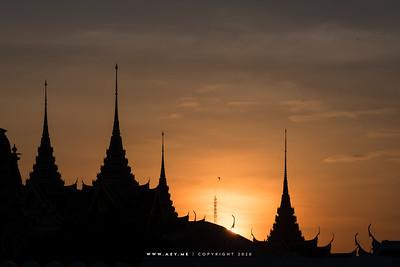 Sunset at Chakkri Maha Prasat Throne Hall and Dusit Maha Prasat Throne Hall, Grand Palace