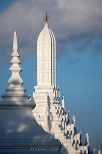 Thewaphirom Gate, Grand Palace