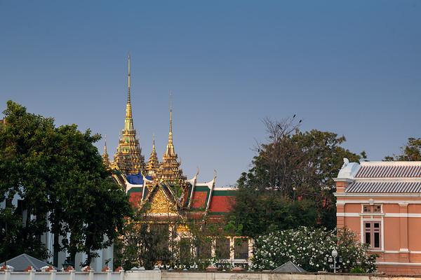 Suthaisawan Prasat Throne Hall and Siwalai Maha Prasat Throne Hall, Grand Palace
