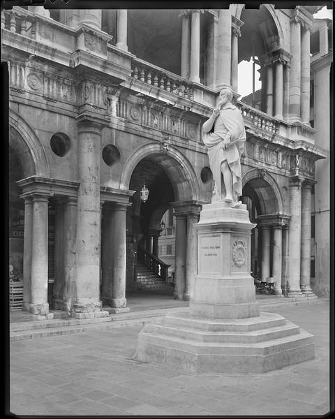 Andre Palladio Statue