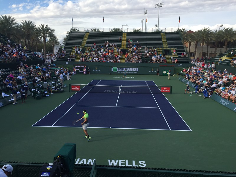 Nicholas Kicker in foreground barely lost vs. 7 Kevin Anderson.