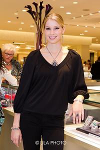 Model: Melissa Eaton