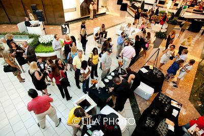 Palm Beach Gardens Mall courtyard overview; photography by: Lauren Lieberman / LILA PHOTO