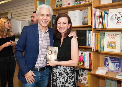 Steven Caras, Daphne Nikolopoulos