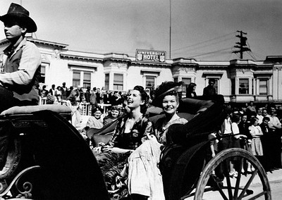 A parade on University Ave. 1941 - Dedication Day