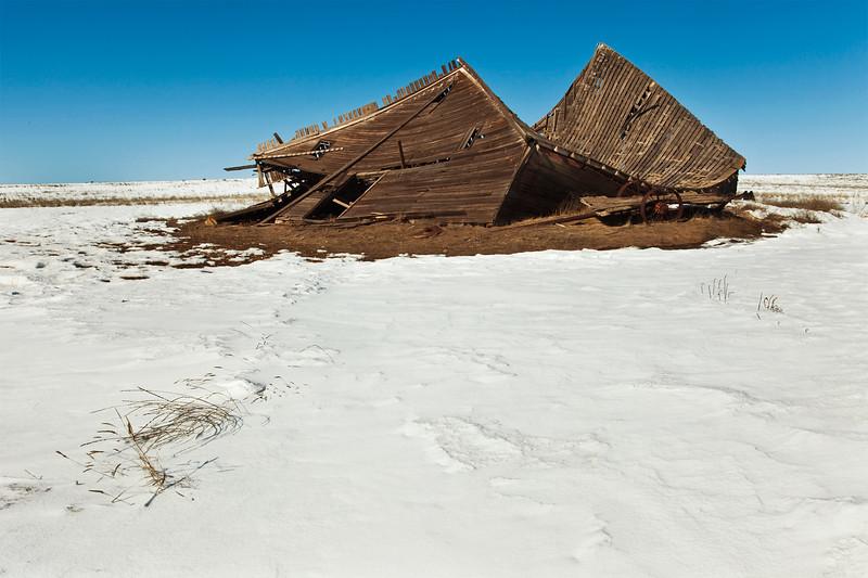 Dilapidated barn near Waterville, WA