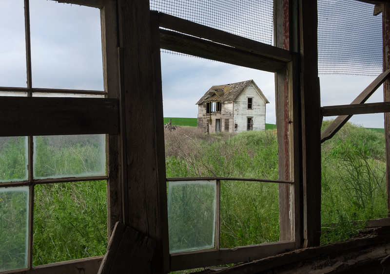Abandoned farm house  - view2