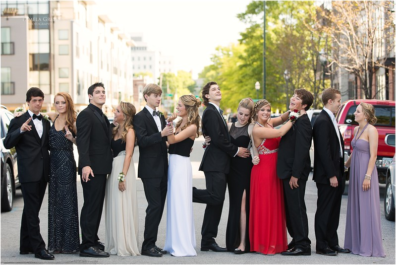 Large prom group photo | Chattanooga | Pamela Greer Photography