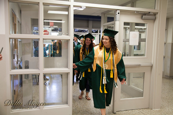 PHS Grads Final Walk 2017