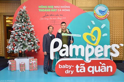 Pampers Activation Photo Booth in Ha Noi - Chụp hình in ảnh lấy ngay Sự kiện tại Hà Nội - WefieBox Photobooth Vietnam