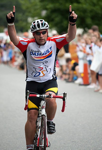 0189_PMC2009_Family_Finish