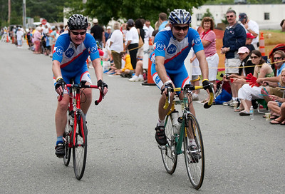 0254_PMC2009_Family_Finish