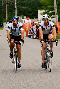0041_PMC2009_Family_Finish
