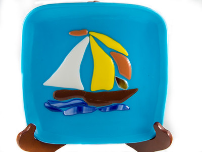 Tacked sailboat serving dish