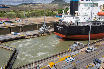 Ship leaving Miraflores Locks