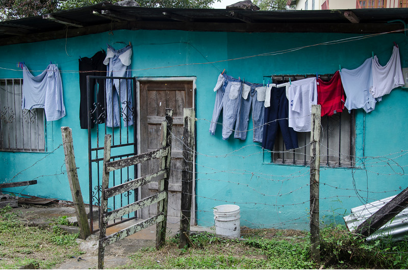 clotheslinepanama.jpg