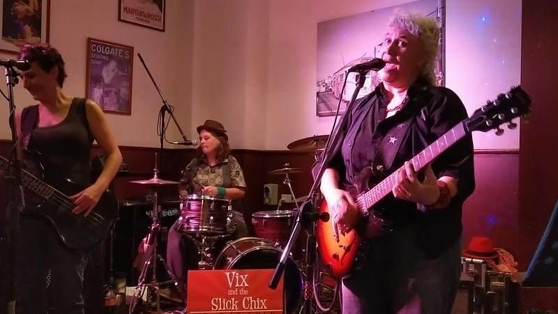 Vix &amp; the Slick Chix<br> 3