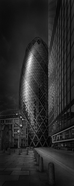 Urban Saga VI - Between Past and Future - Gherkin Building London