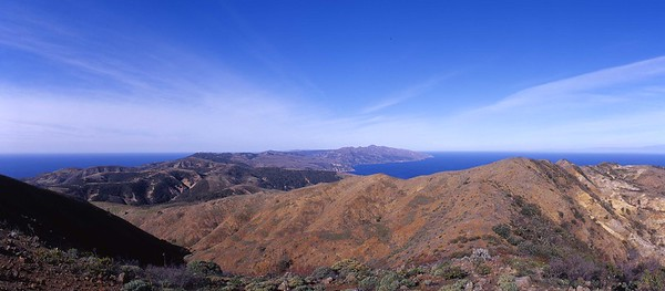 California, Channel Islands National Park, Santa Cruz Island, Montanon Ridge - westerly view
