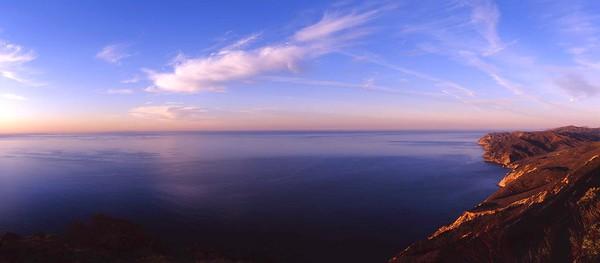 California, Channel Islands National Park, Santa Cruz Island, Southside of isthmus, sunrise