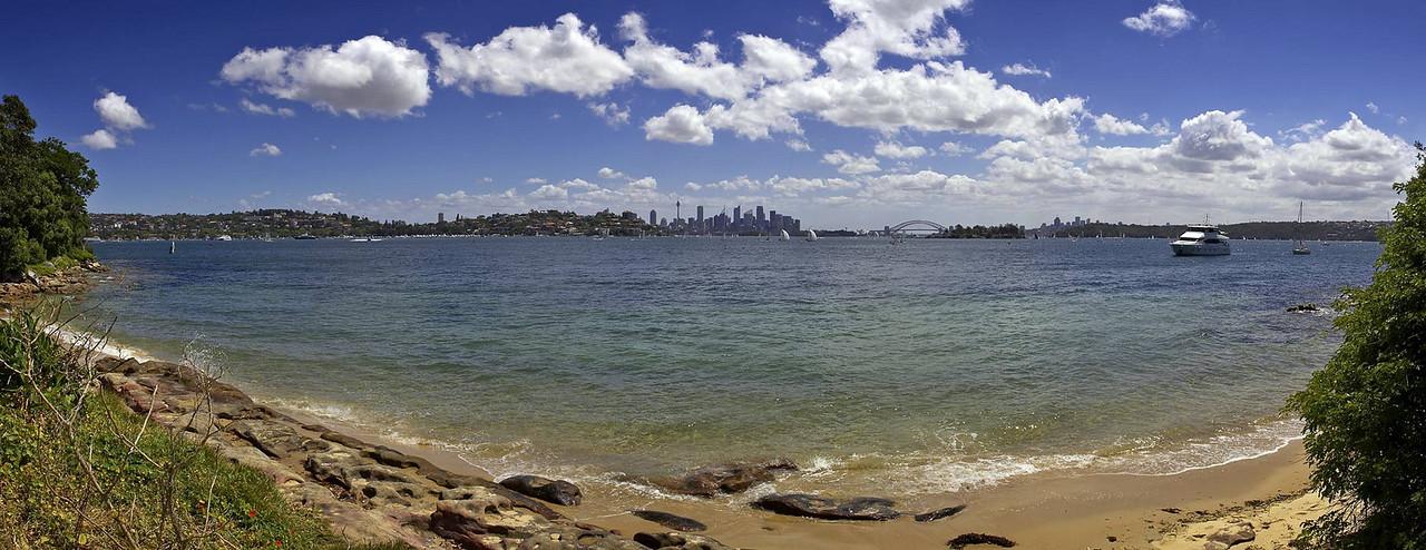 "Sydney Harbour, Wednesday December 27th 2006.  To view at full size please click <a href=""http://sydneywebcam.smugmug.com/photos/popup.mg?ImageID=119139463&Size=Original&popUp=1"" target=""_blank""><strong><em>here</em></strong>.</a>"