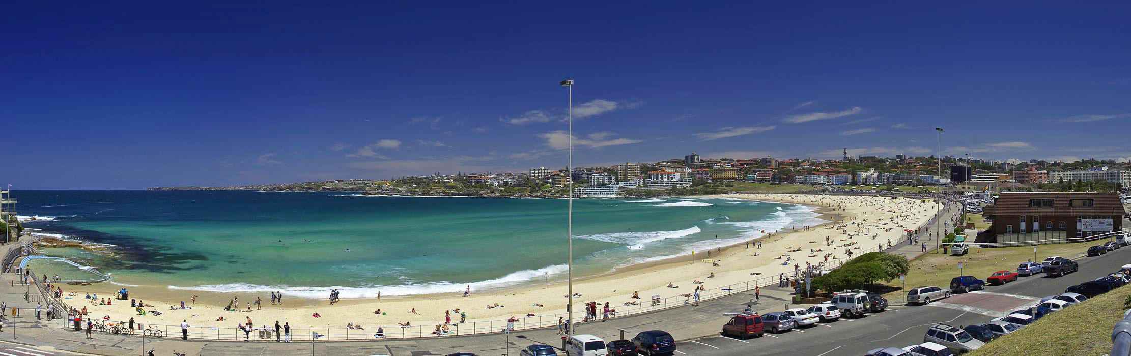 "Bondi Beach, Friday December 22nd 2006.  To view at full size please click <a href=""http://sydneywebcam.smugmug.com/photos/popup.mg?ImageID=118235649&Size=Original&popUp=1"" target=""_blank""><strong><em>here</em></strong>.</a>"