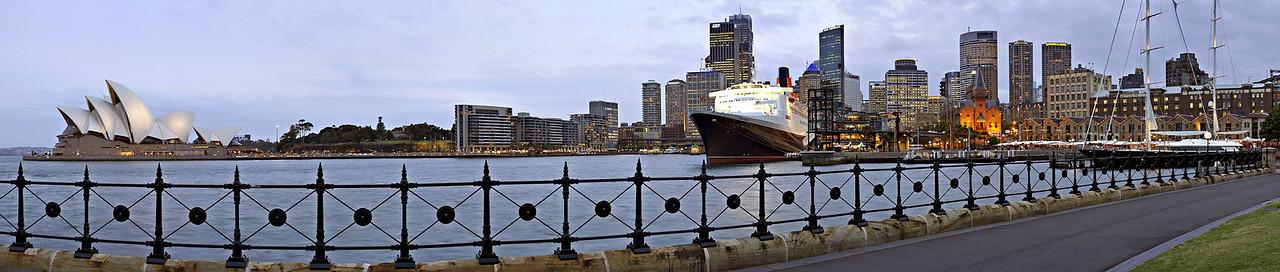 "Circular Quay, Thursday February 16th 2006.  To view at full size please click <a href=""http://sydneywebcam.smugmug.com/photos/popup.mg?ImageID=56463258&Size=Original&popUp=1"" target=""_blank""><strong><em>here</em></strong>.</a>"