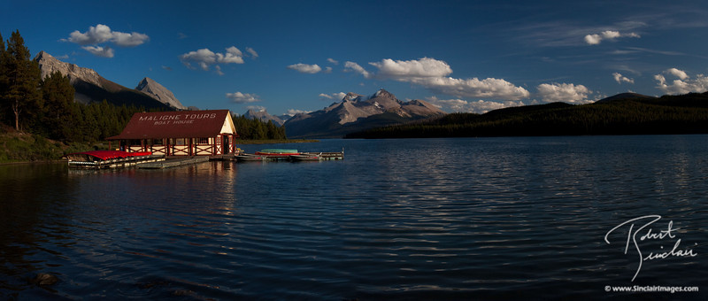 Sunset at Maligne Lake, Jasper National Park (Alberta, Canada)