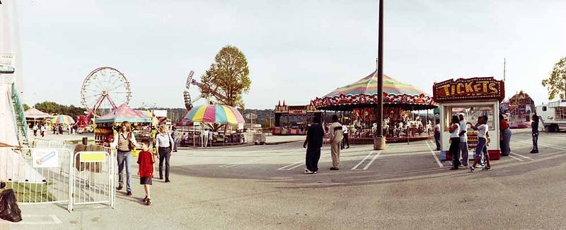 Traveling carnival - day