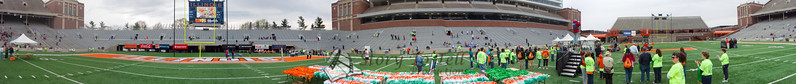 p90-1-p90-8half.jpg  Illinois Marathon 2011 Memorial Stadium Finish Line
