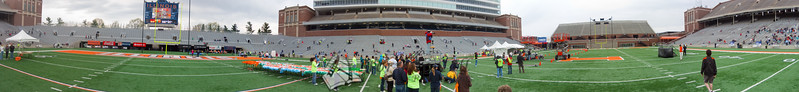 p93-1-p93-8half.jpg  Illinois Marathon 2011 Memorial Stadium Finish Line