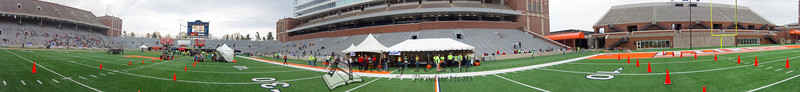 p85-1-p85-8half.jpg  Illinois Marathon 2011 Memorial Stadium Finish Line