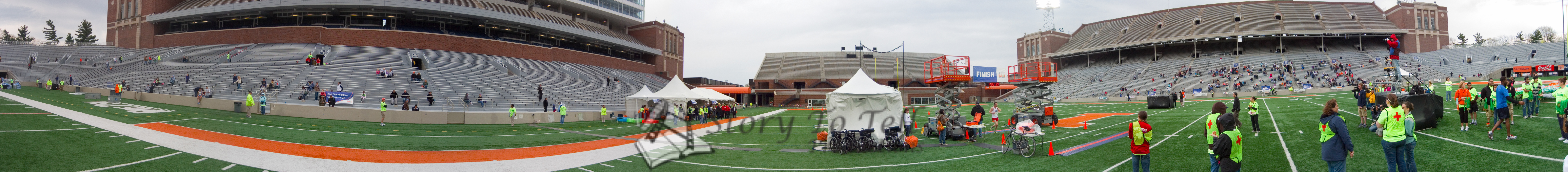 p89-1-p89-8half.jpg  Illinois Marathon 2011 Memorial Stadium Finish Line