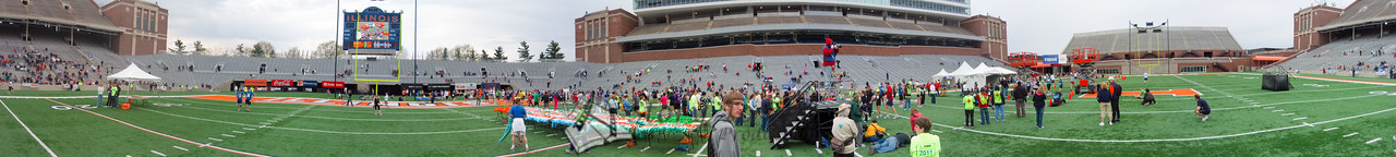 p97-1-p97-8half.jpg  Illinois Marathon 2011 Memorial Stadium Finish Line