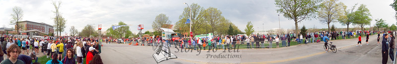p21-1-p21-8half.jpg  Illinois Marathon 2011 Starting Line
