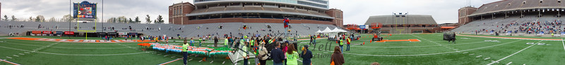 p95-1-p95-8half.jpg  Illinois Marathon 2011 Memorial Stadium Finish Line