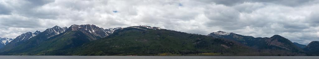 Grand tetons and lake panorama