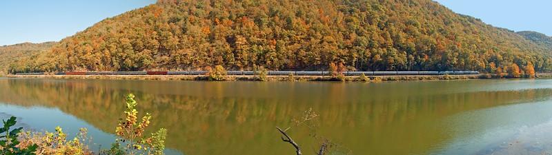 New River Train at Hawks Nest