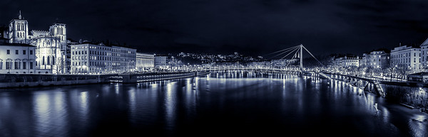 Saône and Croix Rousse at Lyon by night ....