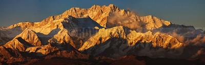 P3:Mt Khangchendzonga during sunset from Sandakphu, North bengal