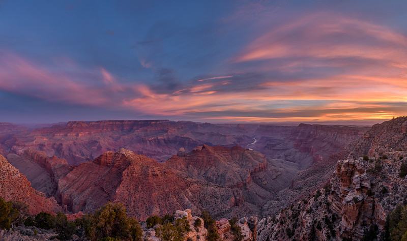 View of the South Rim of the Grand Canyon at sunrise from Navajo Point as the sun lights up the canyon, Grand Canyon National Park, Arizona