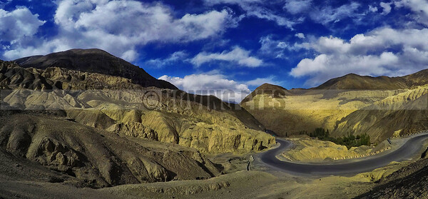 P13:Moonland of Lamayuru on the Srinagar-Leh Highway, Ladakh