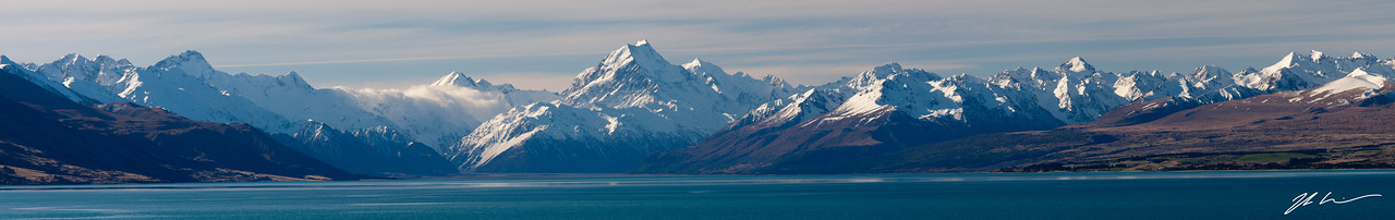 Mount Cook and the Southern Alps from Lake Pukaki, Mount Cook National Park, South Island, New Zealand