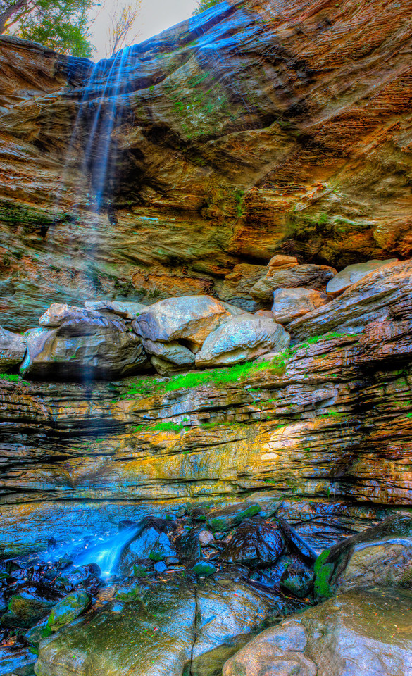 Anglin Around<br /> (Mar 30) Not the greatest as the waterfall seems to disapear but it was not a terribly strong one.  This woud be great to take photos at or near sunset or the after noon instead of the morning though.  The hike up to Anglin Falls is nice and of course mainly up hill as you start down stream.